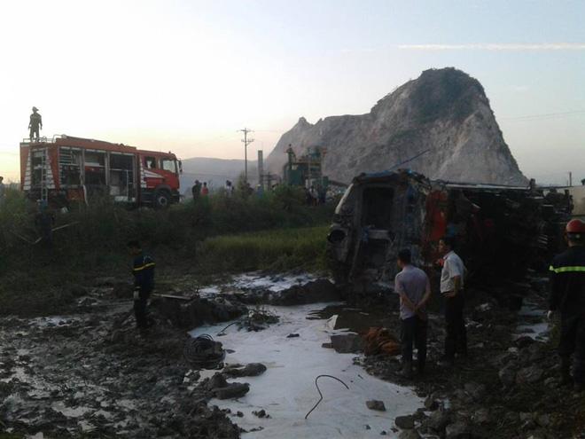 Thông tin mới nhất về vụ tàu hoả đâm xe ben khiến 10 người thương vong ở Thanh Hoá - Ảnh 4.