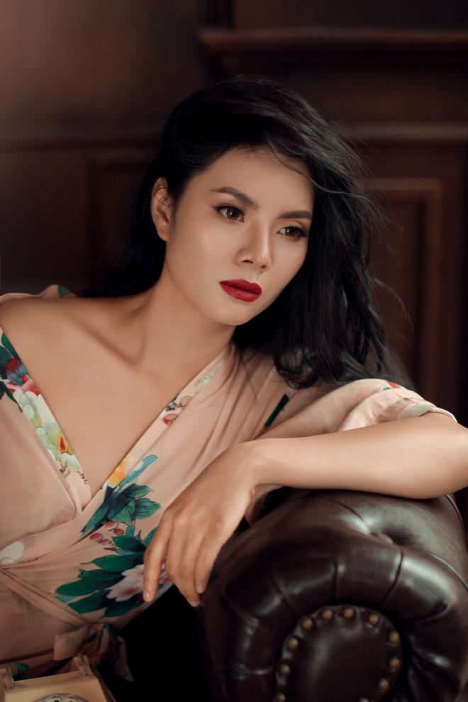 Bộ ảnh sexy đầu tiên của Sao Mai Lương Nguyệt Anh - Ảnh 3.