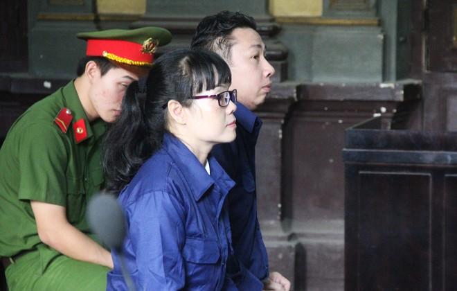 Xử phúc thẩm đại án siêu lừa Huyền Như: Các bị hại đồng loạt đòi tiền VietinBank - Ảnh 2.
