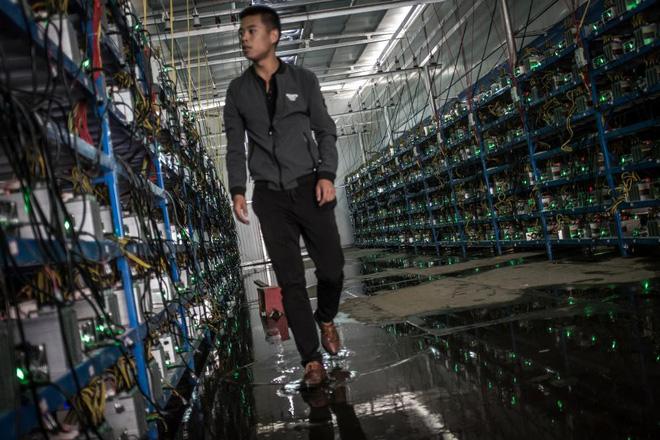 Bên trong một mỏ đào bitcoin bí mật tại Trung Quốc: Có 550 siêu máy tính, chạy 24 giờ một ngày - Ảnh 7.