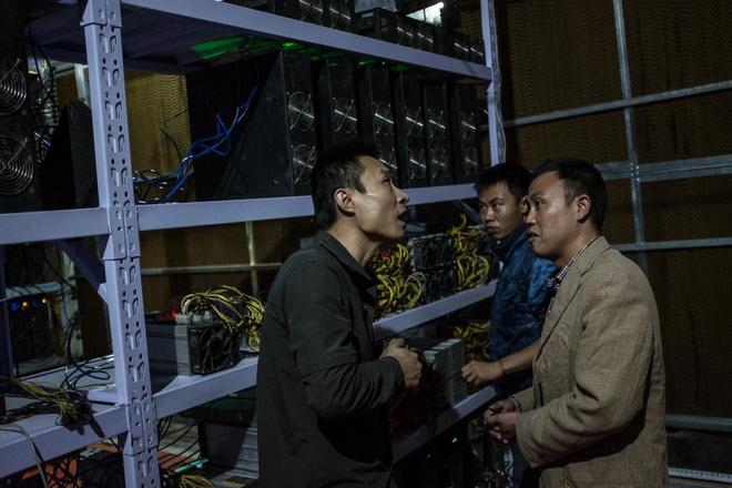Bên trong một mỏ đào bitcoin bí mật tại Trung Quốc: Có 550 siêu máy tính, chạy 24 giờ một ngày - Ảnh 10.
