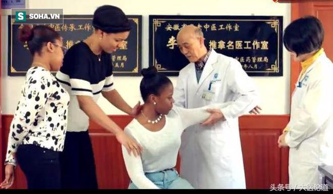 Danh y bàn tay vàng hướng dẫn cách mát xa, xoa bóp nổi tiếng: Người bệnh có thể khỏe lại - Ảnh 2.