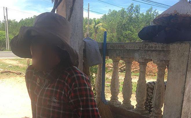 """Mẹ """"bé trai bị chôn sống"""" ở Bình Thuận: Có chôn đâu, chỉ đặt nó xuống và cào đất phủ lên"""