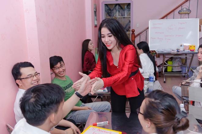 Cô giáo VN sexy lên báo Thái: Sự nổi tiếng cho tôi nhiều thứ và chẳng mất mát cái gì! - Ảnh 3.
