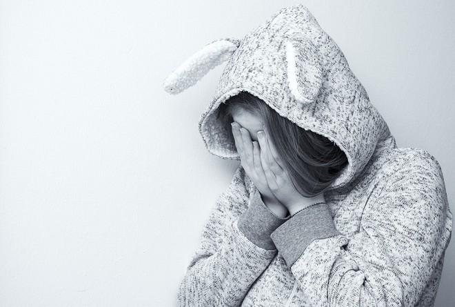 Chuyên gia tâm lý: Người mắc 4 sai lầm này, rất khó để có cuộc sống vui vẻ hạnh phúc - Ảnh 2.