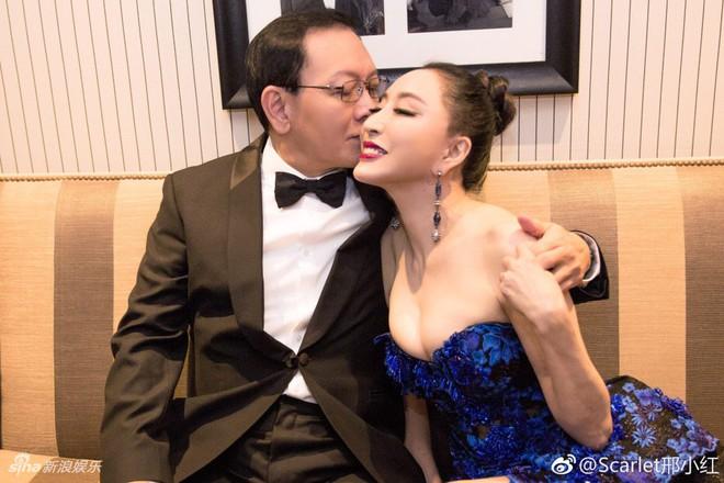 Hoa hậu Trung Quốc giả vờ ngã để gây chú ý trên thảm đỏ Cannes 2018? - Ảnh 9.