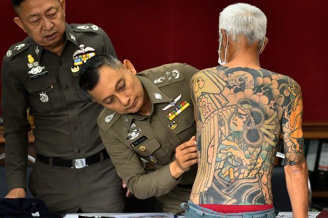 24h qua ảnh: Trùm mafia Nhật Bản bị bắt vì lộ hình xăm trên mạng - Ảnh 4.
