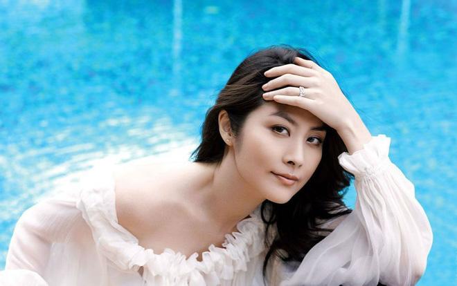 Gia thế khủng của Hoa hậu Hong Kong khiến trùm xã hội đen khét tiếng cũng phải kính nể - Ảnh 6.