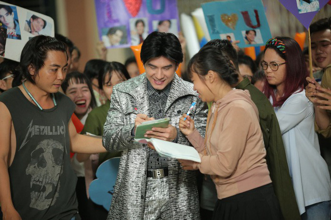 Nhiều sạn vô lý trong phim Em gái mưa, đặc biệt là vai thầy giáo của Mai Tài Phến - Ảnh 7.