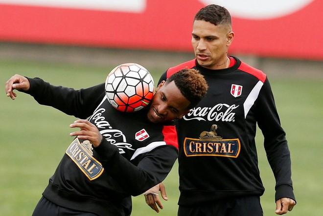 Phiên tòa đầy nhân văn giúp đội trưởng Peru được đá World Cup - Ảnh 1.