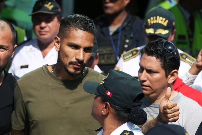 Phiên tòa đầy nhân văn giúp đội trưởng Peru được đá World Cup - Ảnh 2.