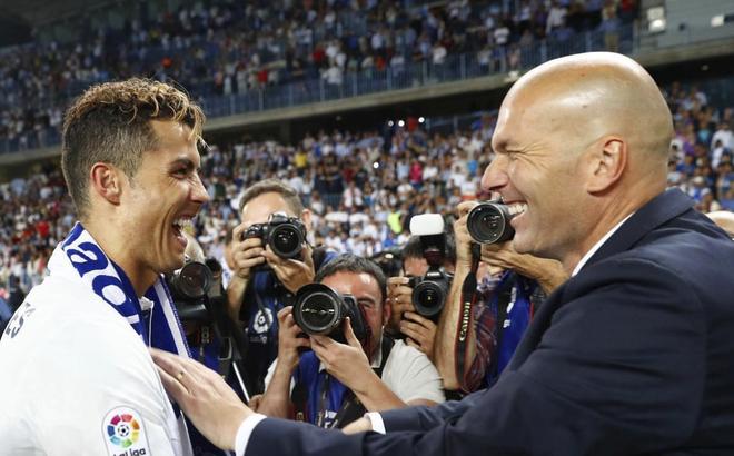 Tiết lộ: Zidane rời Real Madrid vì bị Perez ép bỏ rơi Ronaldo, dùng Gareth Bale