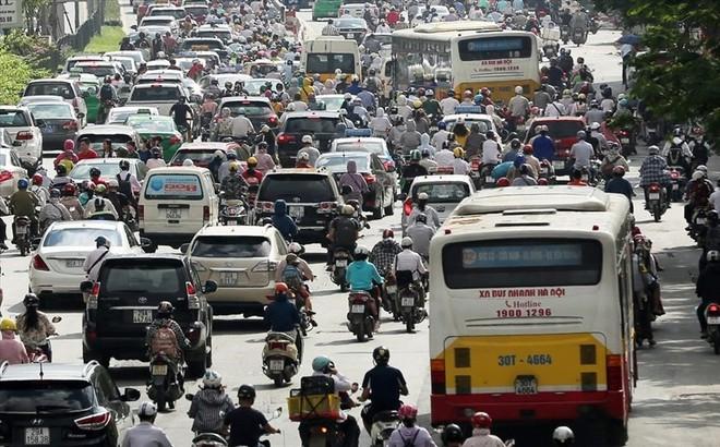 Đề xuất mở làn riêng cho xe buýt thường tại Hà Nội: Các chuyên gia nói gì?