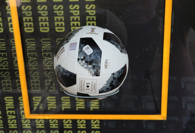Trái bóng World Cup 2018 có thể kết nối điện thoại, giá trăm đô ở Việt Nam - Ảnh 10.