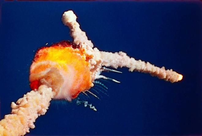 Thảm kịch đen tối nhất lịch sử NASA: Cả phi hành đoàn nổ tung trước mắt hàng triệu dân Mỹ - Ảnh 4.