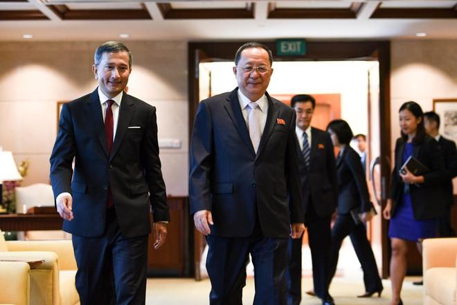 Phái đoàn Mỹ-Triều bàn bạc phút chót, ông Kim mời ông Trump tới Bình Nhưỡng họp vòng 2 - Ảnh 2.