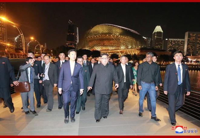 Hải quân Singapore đẩy mạnh tuần tra, lãnh đạo Mỹ-Triều gặp nhau lúc 9h (giờ Singapore) - Ảnh 1.