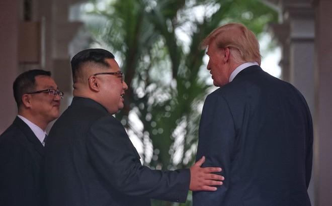 Sau cuộc gặp với ông Trump, ông Kim hoãn lịch bay về Bình Nhưỡng 2 lần liên tiếp