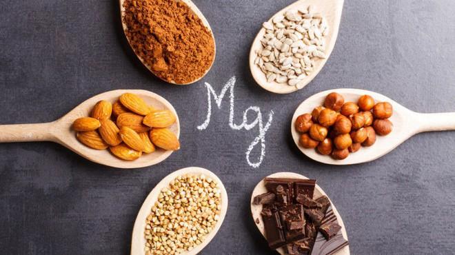 Người trên 40 tuổi nếu thiếu 7 chất dinh dưỡng này, sức khỏe và nhan sắc sẽ sớm tụt dốc - Ảnh 4.