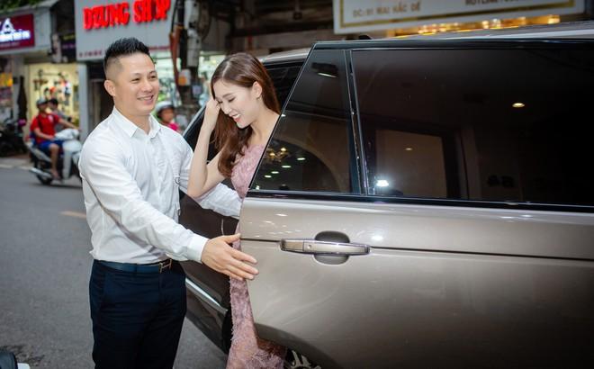 Hoa hậu Áo dài 2018 được chồng đưa đón bằng xe sang