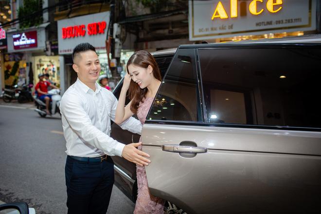 Hoa hậu Áo dài 2018 được chồng đưa đón bằng xe sang - Ảnh 2.