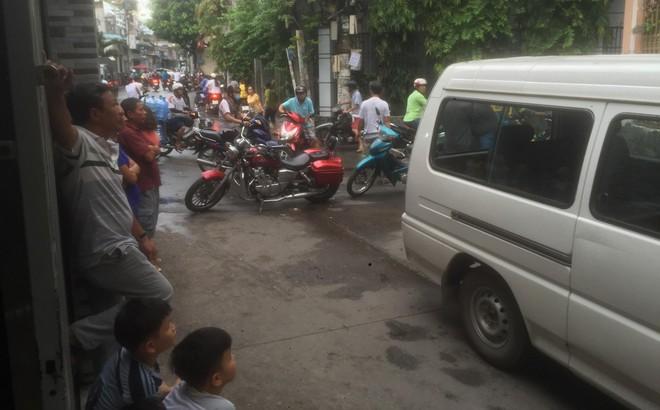 Nghi án 2 cha con bị sát hại trong căn nhà khoá cửa ở Sài Gòn