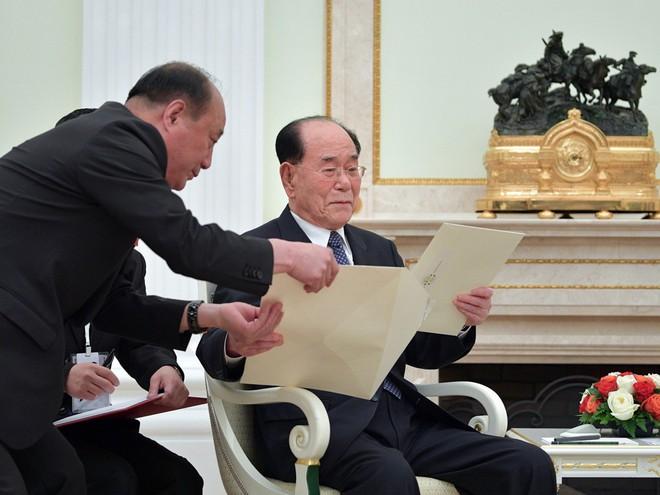 Sau ông chủ Nhà Trắng, Tổng thống Putin cũng nhận được thư tay khủng từ ông Kim Jong-un - Ảnh 2.