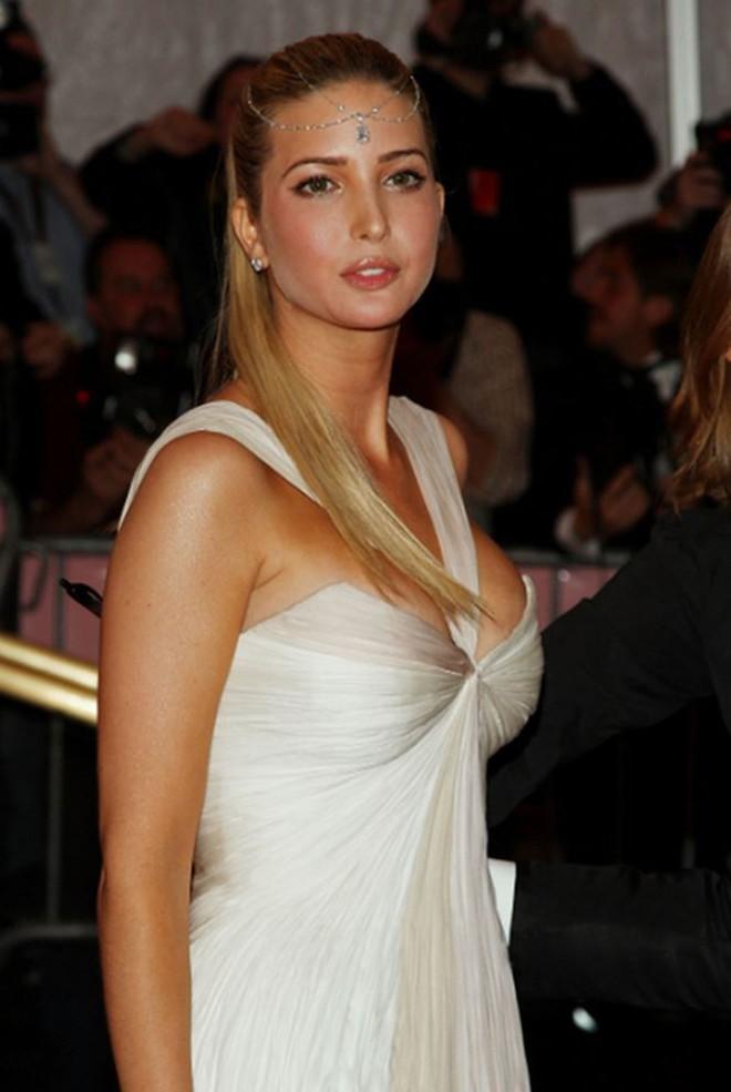 Nhan sắc của người mẫu quyền lực Ivanka Trump - con gái Tổng thống Mỹ   - Ảnh 4.