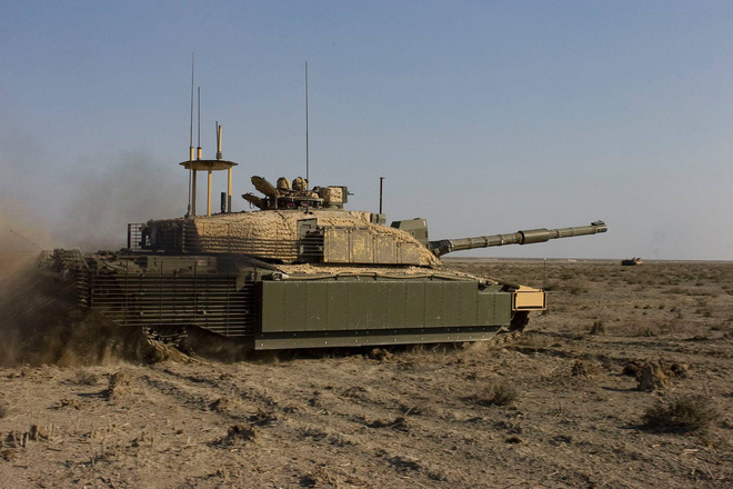 """Xe tăng Challenger-II: """"Gã khổng lồ"""" chậm chạp sẽ tan xác trước hỏa lực hiện đại? - Ảnh 2."""