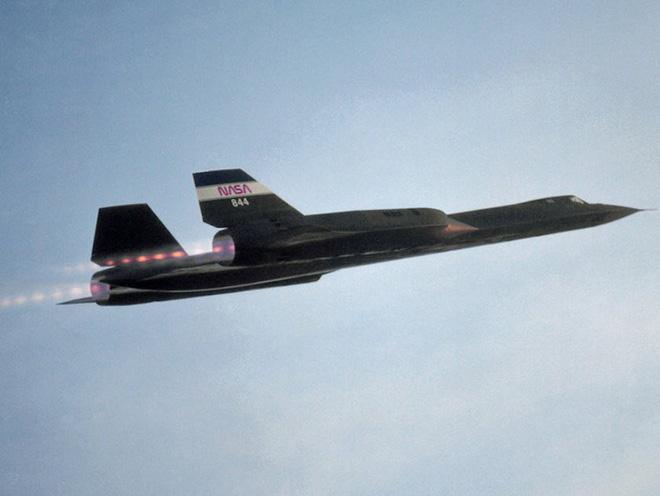 Siêu máy bay do thám Mỹ: Thoát hiểm hàng nghìn vụ tấn công tên lửa trong suốt 24 năm - Ảnh 4.