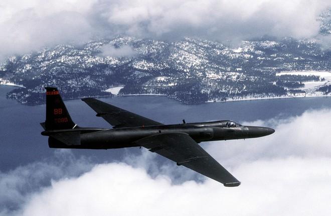 Trận đánh bi hùng: Tên lửa Liên Xô truy sát máy bay sừng sỏ của Mỹ, MiG cũng dính đạn - Ảnh 4.