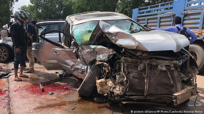 Hoàng thân Campuchia chuyển viện tới Bangkok giữa đêm sau tai nạn thảm khốc - Ảnh 2.