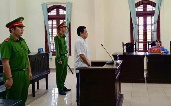 Tài xế xe khách chạy ẩu khiến 4 người chết oan, lãnh 9 năm tù