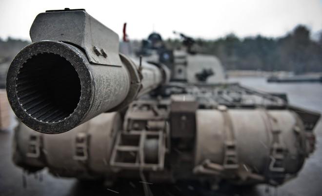 """Xe tăng Challenger-II: """"Gã khổng lồ"""" chậm chạp sẽ tan xác trước hỏa lực hiện đại? - Ảnh 1."""