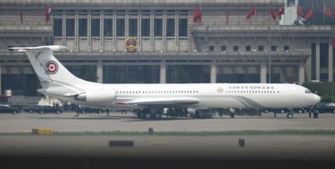 Những hình ảnh đầu tiên của đoàn xe hộ tống ông Kim Jong-un tại Bắc Kinh - Ảnh 4.