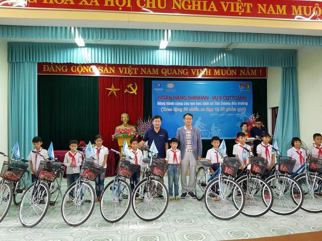 """Tổng Giám đốc Shinhan Việt Nam – ông Shin Dong Min: """"Mục tiêu lớn cần nỗ lực lớn"""" - Ảnh 5."""