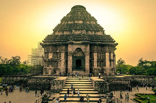 Bí ẩn những ngôi đền vượt thời gian ở Ấn Độ: Có cái giá trị tới 100 tỉ USD! - Ảnh 1.