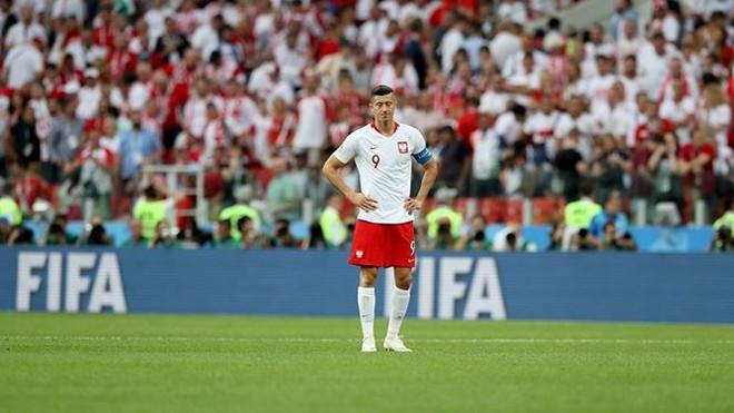 Ba Lan chơi tệ, cổ động viên ức chế bỏ về sớm  World Cup 2018 - Ảnh 1.