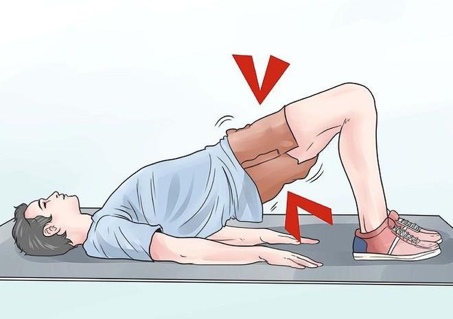 Nếu làm việc này ngay sau khi đi tiểu, quý ông có thể sẽ mắc bệnh mãn tính nguy hiểm - Ảnh 2.