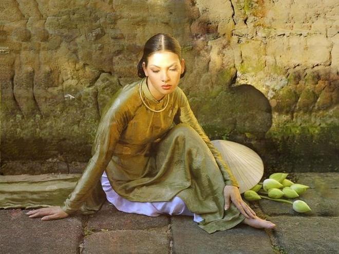 Ngưỡng mộ nhan sắc không tuổi của Đệ nhất giai nhân Thủy Hương - Ảnh 6.