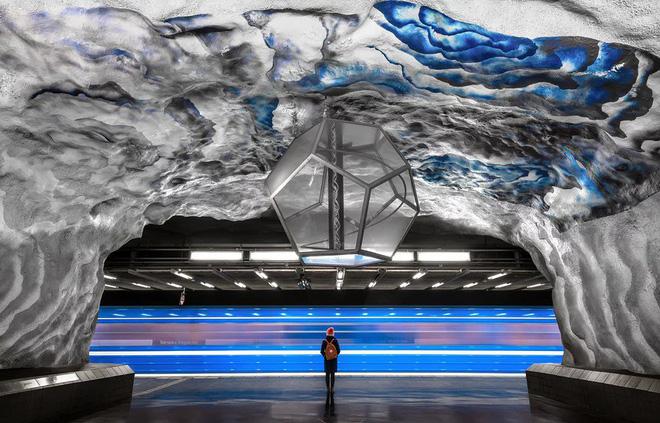 Bên trong những ga tàu điện ngầm đẹp hơn cả triển lãm nghệ thuật tại Thụy Điển - Ảnh 13.