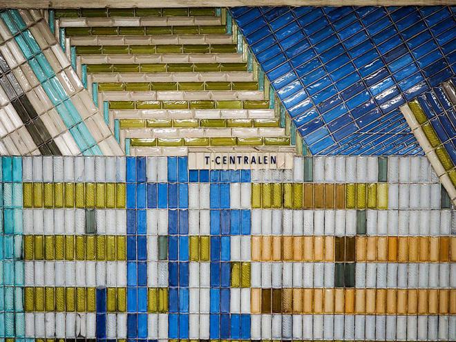 Bên trong những ga tàu điện ngầm đẹp hơn cả triển lãm nghệ thuật tại Thụy Điển - Ảnh 3.