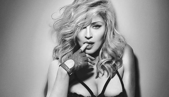 Nữ hoàng nhạc Pop Madonna tung ảnh nóng bỏng ở tuổi 60 - Ảnh 5.
