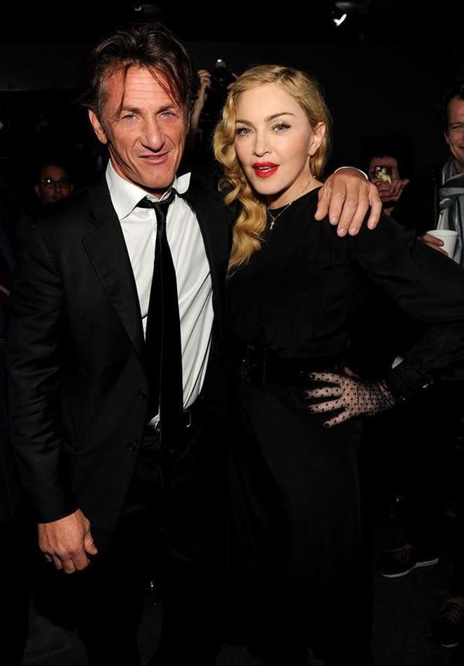 Nữ hoàng nhạc Pop Madonna tung ảnh nóng bỏng ở tuổi 60 - Ảnh 6.