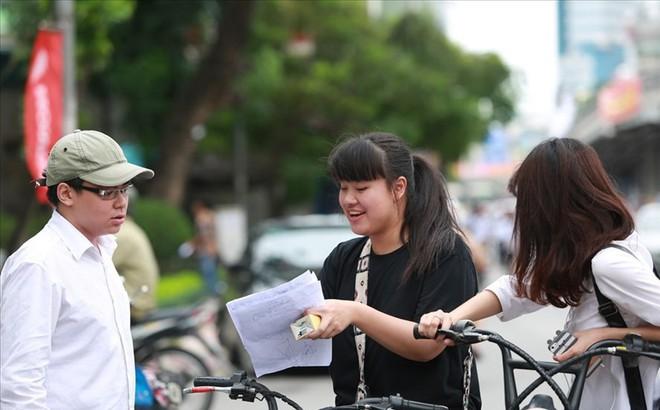Bộ Giáo dục Đào tạo phủ nhận công bố đáp án thi THPT sau khi thí sinh ra khỏi phòng thi