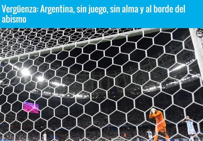 Xấu hổ, thảm họa, đau khổ, báo Argentina câm lặng vì Messi và đồng đội - Ảnh 1.