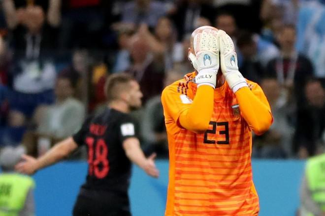 Nghỉ hưu ngay đi, trước khi mất mặt hơn nữa, Messi! - Ảnh 3.