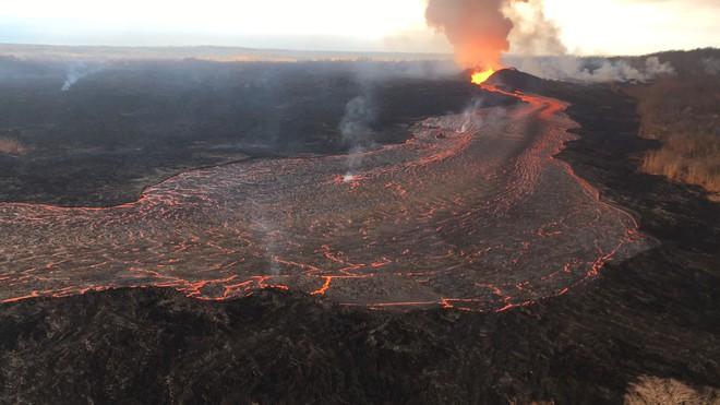 Sau khi hút gần sạch nước hồ, núi lửa ở Hawaii có nguy cơ gây tai họa mới - Ảnh 6.