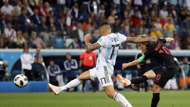 Messi hoàn toàn câm lặng, Argentina bị hủy diệt dưới tay Croatia - Ảnh 4.