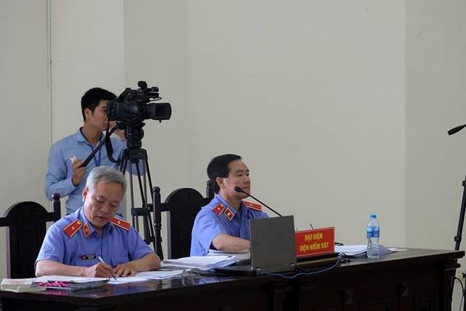 Ông Đinh La Thăng bị đề nghị giữ nguyên 18 năm tù, bồi thường 600 tỷ - Ảnh 1.